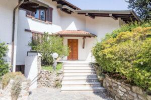 Meina 5 bed villa